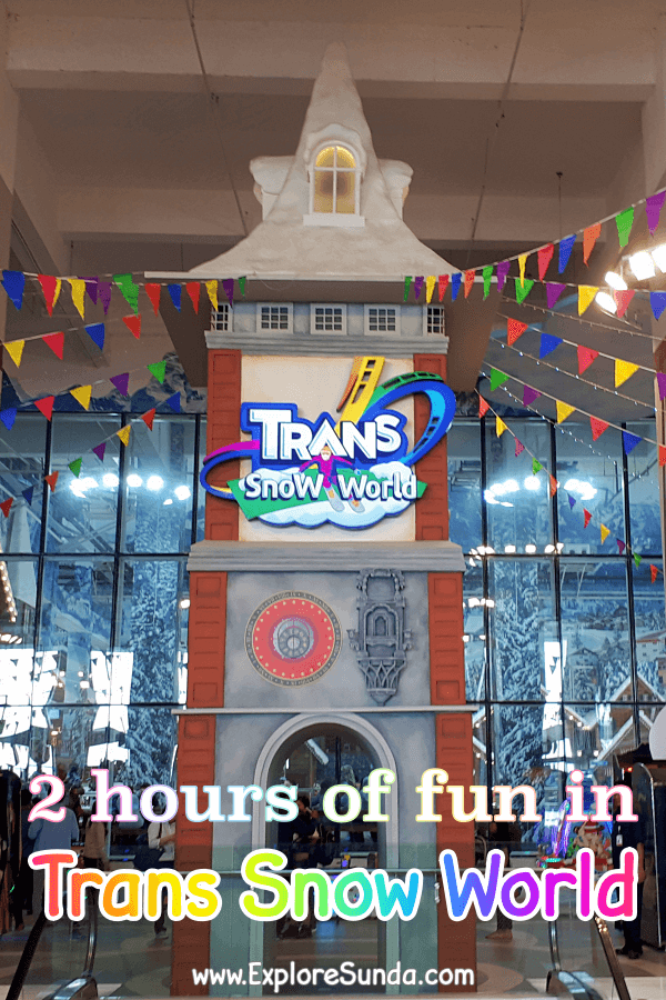 Playing in the snow at Trans Snow World in Transmart Juanda Bekasi | Ride a gondola, Slide, Ski, or Roll Over inside a Ball | #ExploreSunda