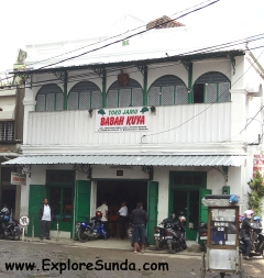Babah Kuya, a famous herb store behind Pasar Baru Bandung.