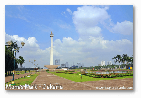 Parks and gardens in Jakarta: National Monument park.