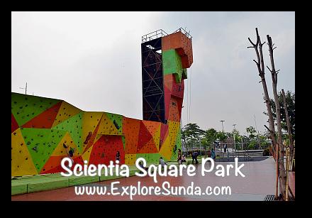 Wall climbing at Scientia Square Park - Summarecon Serpong, Tangerang Selatan