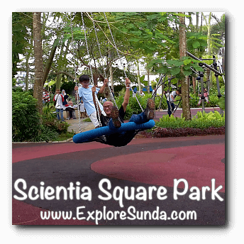 Giant swing at Scientia Square Park, Summarecon Serpong