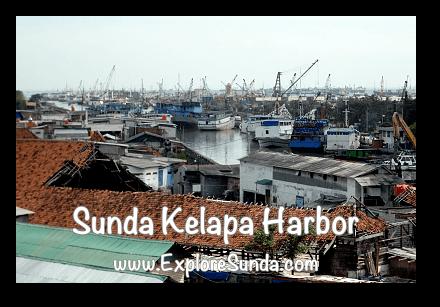 Sunda Kelapa harbor, view from the top floor of Menara Syahbandar