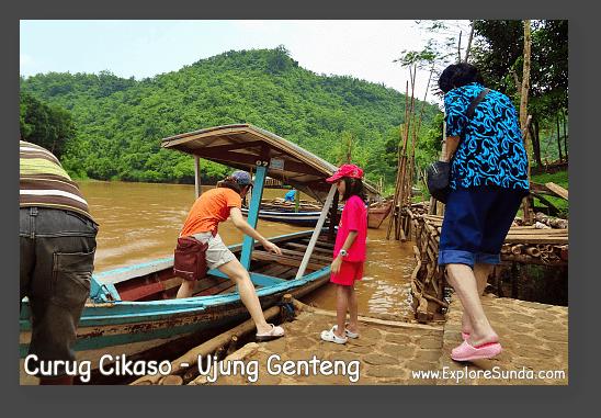 A boat trip to Curug Cikaso [Cikaso Waterfall] - Ujung Genteng.