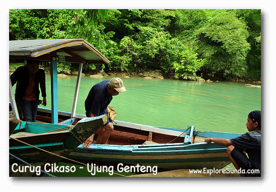 Getting off the boat on the way to Curug Cikaso - Ujung Genteng.