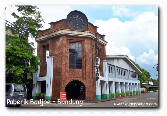 Paberik Badjoe, One of The Popular Factory Outlets in Bandung.