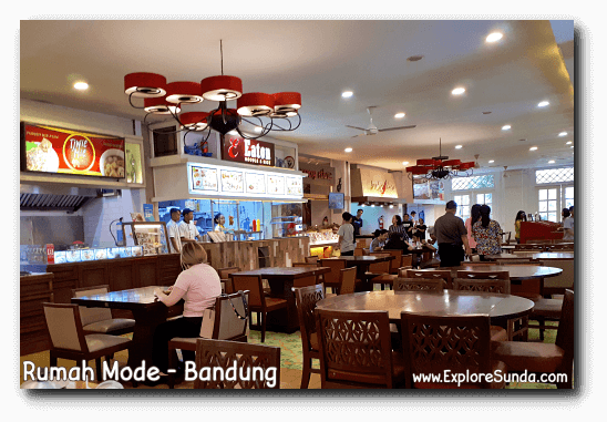 Foodcourt at Rumah Mode, One of The Popular Factory Outlets in Bandung.