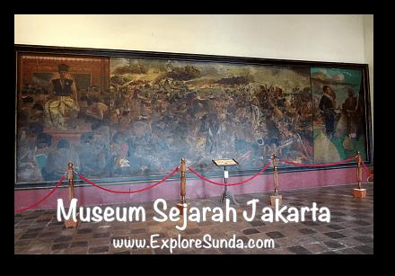 Pertempuran Antara Sultan Agung dan Jan Pieterszoon Coen, one of the  masterpiece at Jakarta History Museum