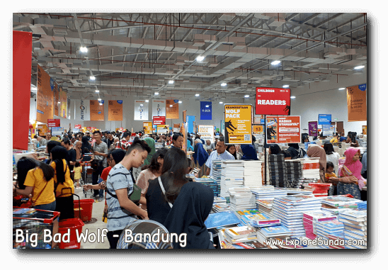 Book hunting at Big Bad Wolf book sale in Bandung.