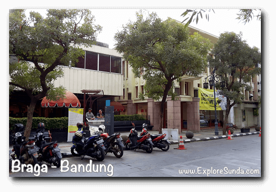 Braga Permai Restaurant at jalan Braga Bandung