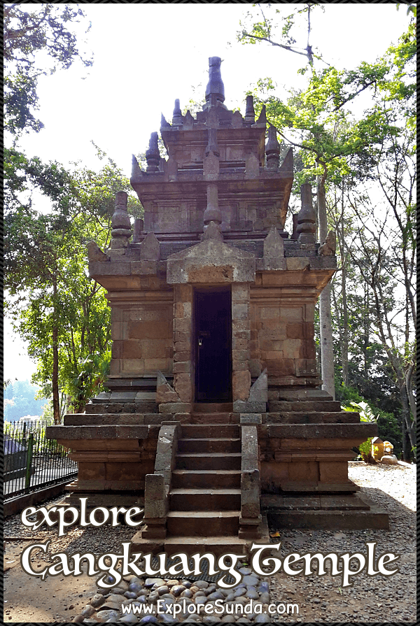 Explore Candi Cangkuang, The Hindu Temple on the lake in Leles, Garut, WestJava | Ride getek to visit Cangkuang temple, its museum, and the traditional village of Kampung Pulo.  | #ExploreSunda