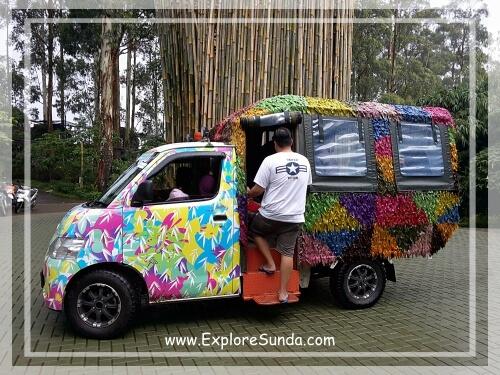 A shuttle bus at Dusun Bambu in Cisarua, Lembang