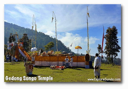 Preparation of Hindu religious ceremony at Candi Gedong Songo.