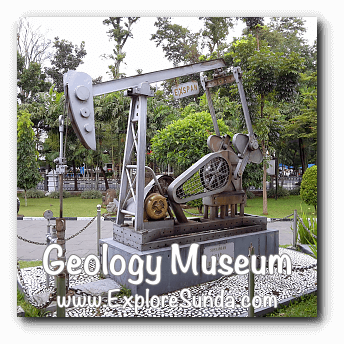 A machine used in oil rig displayed in Geology Museum, Bandung
