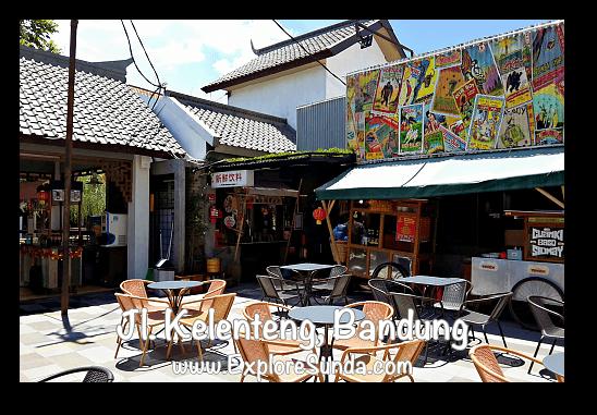 Outdoor seating at Chinatown foodcourt in jalan Kelenteng Bandung
