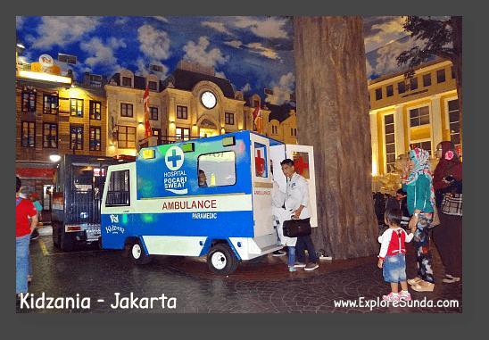 Work as paramedics in Kidzania - Jakarta.
