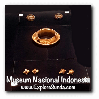 Gold earrings from East Java dated 14AD - a collection of Museum Gajah (The National Museum of Indonesia), Jakarta