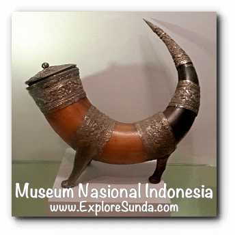 Medical container made of silver and buffalo horn from Batak, North Sumatera - a collection of Museum Gajah (The National Museum of Indonesia), Jakarta
