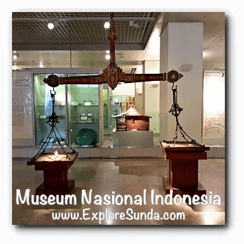 A giant scale made of wood and iron from Banjarmasin, South Kalimantan - a collection of Museum Gajah (The National Museum of Indonesia), Jakarta