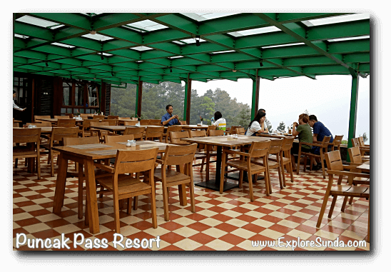 The most sought after seats in Puncak Pass Resort: the seats at open terrace of the restaurant!