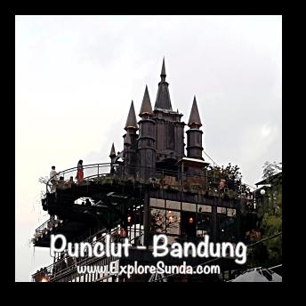 Dago Bakery showcasing the castle in Kawasan Wisata Punclut Bandung