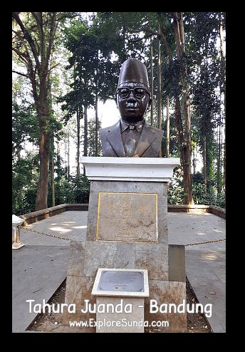 The head bust of Ir. H. Djoeanda with Djoeanda Declaration below it, at Taman Hutan Raya Ir. H. Djoeanda | TahuraJuanda - DagoPakar, Bandung.