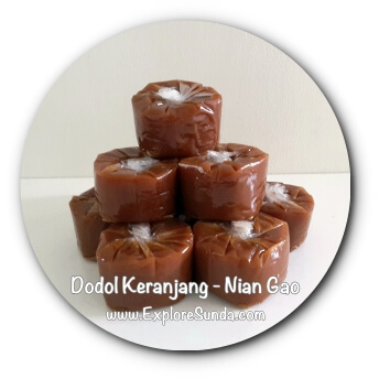 Basket Cake, Dodol Keranjang, and Nian Gao are some of the names of this special cake to celebrate Imlek / Chinese New Year.
